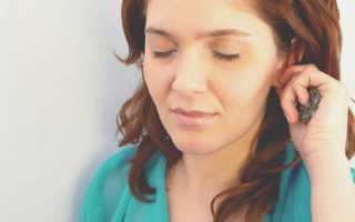 К чему может чесаться левое ухо – все значения приметы