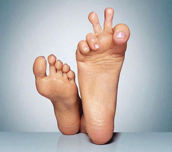 Две ступни