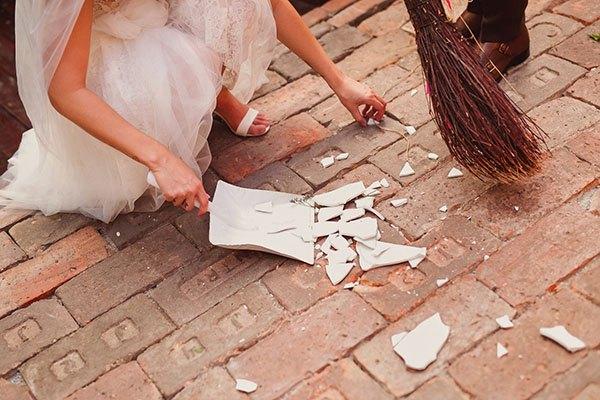 Разбить тарелку на свадьбе