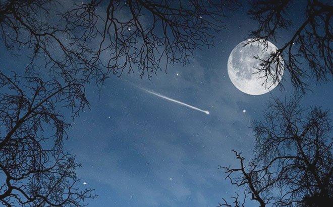 Падающая звезда в полную луну